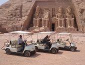 تسهيلا لحركة الزوار.. الآثار تنتهى من أعمال صيانة عربات الجولف بأبو سمبل