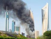 فيديو.. قوات الدفاع المدنى فى الكويت تحاول السيطرة على حريق هائل بأحد البنايات