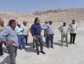 وزير الآثار يتفقد المواقع الأثرية بالبر الغربى بالأقصر.. (صور)