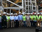 وزير البترول يتفقد التشغيل التجريبى لمشروع إنتاج البنزين بشركة أنربك