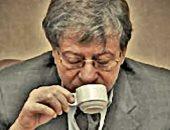فى اليوم العالمى للقهوة.. ماذا كتب محمود درويش عن عذراء الصباح الصامت؟
