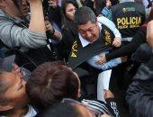 صور.. احتجاجات فى بيرو ضد إلغاء قرار العفو عن الرئيس الأسبق فوجيمورى
