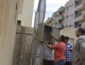 تغيير الخلايا الضوئية المتهالكة بغرب مدينة كفر الشيخ
