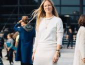 الأبيض والبيج يكسب.. اختارى ملابس الخريف بالألوان الفاتحة من أسابيع الموضة