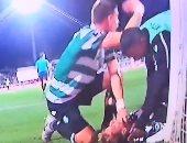 لقطة الموسم.. مدافع ليفربول السابق ينقذ حياة زميله من الموت