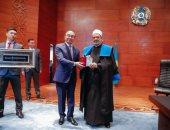 جامعة أوراسيا الوطنية فى كازاخستان تمنح الإمام الأكبر الدكتوراه الفخرية