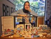 رودينة طارق تستقبل هدية شاطئ الإسكندرية .. حولت مخلفات المراكب لقطع فنية