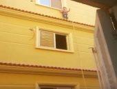 فيديو.. لحظة إنقاذ طفل قبل سقوطة من الطابق الثالث بمعرفة الحماية المدنية