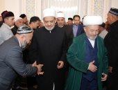"""صور.. شيخ الأزهر يؤدى صلاة الجمعة بمسجد """"حضرة الإمام"""" أحد أكبر مساجد طشقند"""