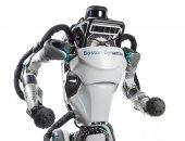 """فيديو.. روبوت """"أطلس"""" يمكنه القفز والركض وتخطى الحواجز بسهولة"""