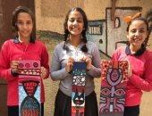 صور.. طالبات مدرسة المصرية يحولون بقابا المقاعد الخشبية إلى لوحات فنية