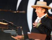 بوب ديلان يتذكر.. عندما كنت مطربا شعبيا أجمع المال فى قبعة