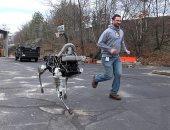 لو الروبوت بقى زميلك.. كيف سيتعامل البشر مع الروبوتات فى المستقبل؟