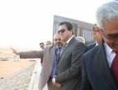 """وصول وزير التعليم العالى لحفل """"رالى القاهرة للسيارات الكهربائية محلية الصنع"""""""
