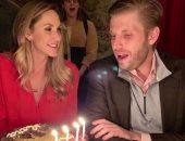 شاهد.. إريك ترامب يحتفل بعيد ميلاد زوجته لارا الـ 36