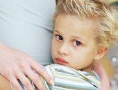 لو خايف طمنيه.. اعرفى أسباب الخوف الزائد عن طفلك وإزاى تعالجيه