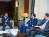 وزير التجارة يبحث مع سفير فرنسا بالقاهرة تعزيز العلاقات بين البلدين