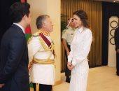 الملكة رانيا وولى العهد يرافقان العاهل الأردنى فى افتتاح دورة البرلمان