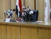 وزير التموين: أى بطاقة بها أخطاء وصاحبها لم يحدثها مزورة وسيتم إيقافها