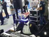 """الروبوت تيوترونيكا يعزف """"حبيبى يا نور العين"""" داخل جيتكس دبى"""