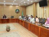 سكرتير عام المنوفية يعقد اجتماعا لبحث خطة المحافظة لتطوير شبكات الكهرباء