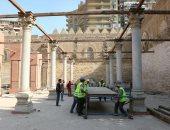 شاهد.. استئناف أعمال الترميم فى مسجد الظاهر بيبرس بعد توقفها 7 سنوات