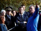 صور.. ماكرون يزور المناطق التى ضربتها الفيضانات فى فرنسا