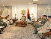 حفتر يلتقى قادة المناطق العسكرية فى ليبيا والسراج يؤكد دعمه لتوحيد الجيش