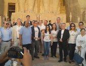 صور.. 4 وزراء يلتقطون الصور التذكارية فى احتفالية تعامد الشمس