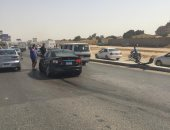 توقف حركة المرور على طريق الفيوم الصحراوى بعد إصابة شخصين فى انقلاب سيارة