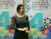 """تكريم المخرجة ماجى أنور عن سلسلة أفلام """"الكلاسيكيات"""" بمهرجان الخرطوم السينمائى"""