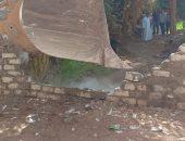إزالة منزلين وحظيرة ماشية بدون ترخيص فى حملة ببنى سويف