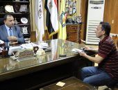 رئيس جامعة بنى سويف يحيل بعض المراقبين للتحقيق لإهمالهم أثناء الامتحانات