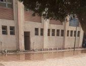 مياه الصرف تغرق فناء مدرسة كلية الزراعة بالإسكندرية وتهدد الأبنية بالانهيار
