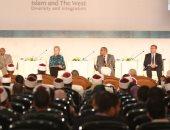 """صور.. """"المجتمعات المسلمة"""": مكتبة الأزهر ذاكرة الأمة وحكماء المسلمين ذراع نشر الدين"""