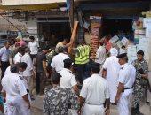 صور.. حملة مكبرة لإزالة الإشغالات لإعادة الانضباط للشوارع بمطروح