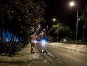 نيويورك تايمز: تدهور الوضع الاقتصادى دفع النساء إلى الدعارة فى اليونان