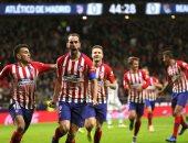 أتلتيكو مدريد ضد برشلونة.. غيابات دفاعية مؤثرة فى قائمة الروخى بلانكوس