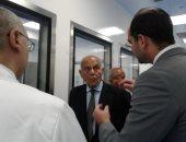 الدكتور مجدى يعقوب يفتتح مركزا جديدا للأبحاث الدوائية بالقاهرة