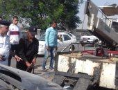 أوناش المرور ترفع حطام حادث تصادم 5 سيارات بطريق كورنيش النيل