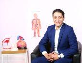 للحصول على ابتسامة مشرقة.. 8 مميزات لزراعة الأسنان يكشفها دكتور أحمد القفاص