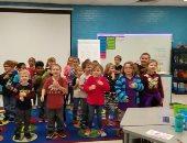 فيديو.. طلاب أمريكيون يتعلمون لغة الإشارة للاحتفال بعيد ميلاد عامل أصم وأبكم
