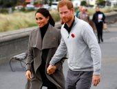 ميجان تكسب هارى فى منافسة لرمى الأحذية فى نيوزيلندا