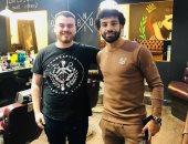 بعد نيولوك محمد صلاح.. تعرف على صالون الحلاقة الأشهر فى ليفربول وأبرز رواده