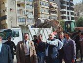 صور.. مدير أمن القاهرة يقود حملات لإزالة الإشغالات وتطهير ميدان الألف مسكن