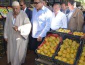 محافظ الغربية يتفقد سوق الجملة بطنطا ويوجه ببيع البطاطس بـ 5جنيهات للكيلو