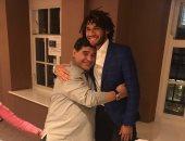 محمد الننى يهنئ الساحر مارادونا بعيد ميلاده الـ58