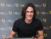 كافانى يتفوق على ميسى ورنالدو ويفوز بجائزة القدم الذهبية