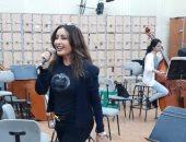 لطيفة تواصل استعدادتها لحفل افتتاح مهرجان الموسيقى العربية