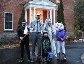 شاهد.. رئيس وزراء كندا وعائلته يتنكرون للاحتفال بالهالوين بأزياء مخيفة